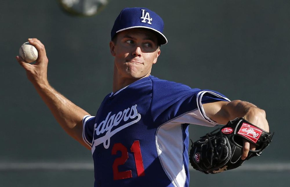 Greinke expected to miss start with strained calf