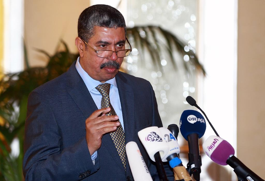 Yemen's Prime Minister Khaled Bahah speaks during a press conference on January 19, 2016 in UAE capital Abu Dhabi