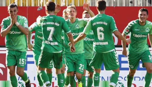 2. Liga: Sieg in Heidenheim: Fürth setzt Serie fort