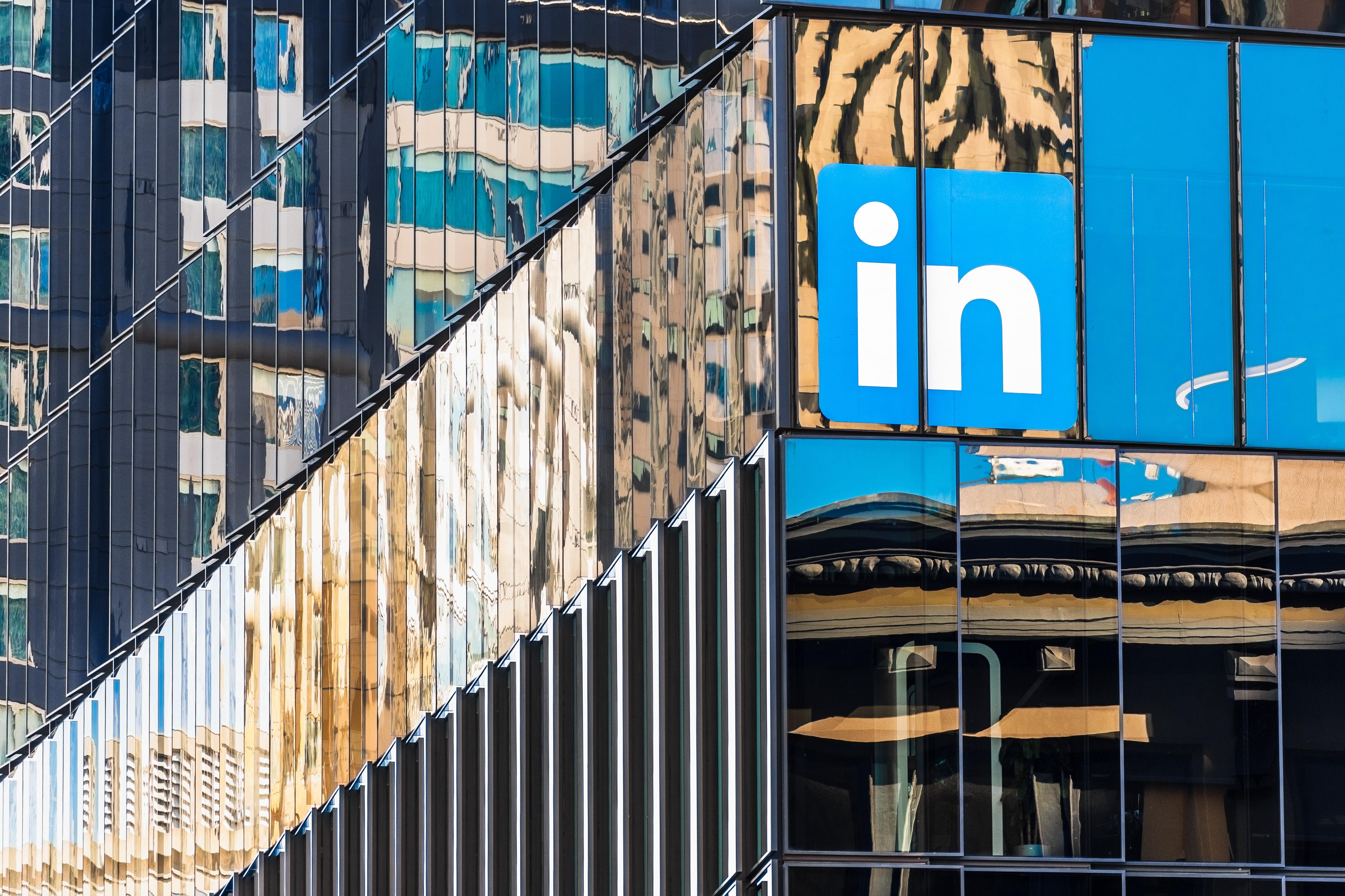 LinkedIn stops collecting tracking data ahead of iOS 14 changes | Engadget
