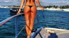Pampita encendió las redes con sus fotos con un diminuto bikini en un yate en Miami
