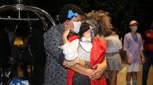 """De máscara, Babu beija namorada, reencontra filhos e é tietado após """"BBB20"""""""