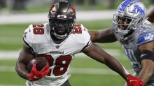 Buccaneers RB Fournette Discusses COVID-19 Vaccine at Camp