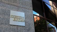 American Express Outlook Mixed But It Sees 'Strong Momentum'