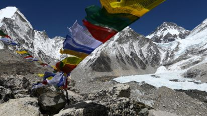 Crypto stunt on Everest linked to Sherpa death
