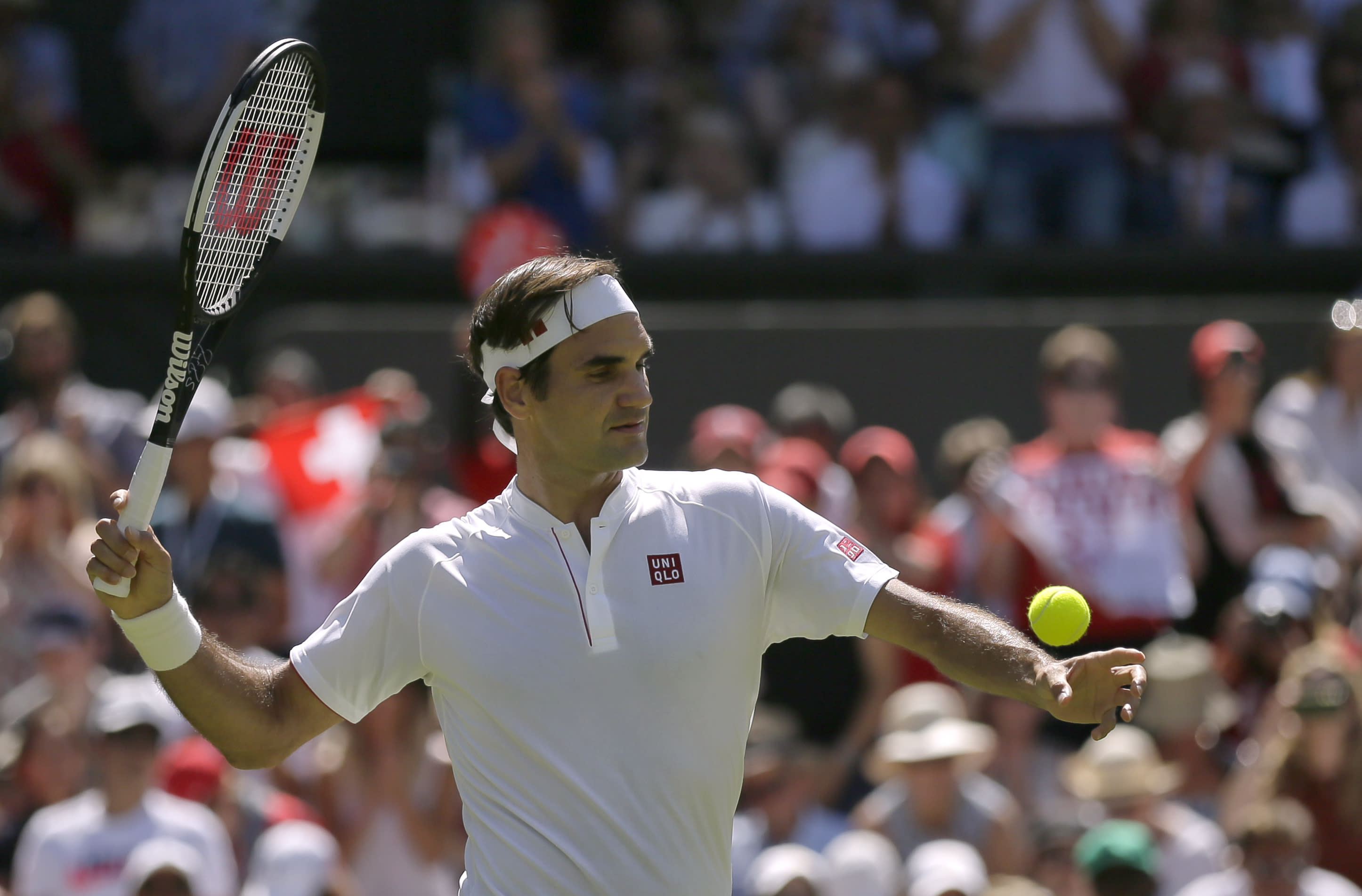 ff825138 Uniqlo poaches Federer from Nike [Video]