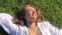 Elizabeth Hurley, 55, bares all in cheeky snap