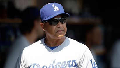 Dodgers manager has issue with anthem protest