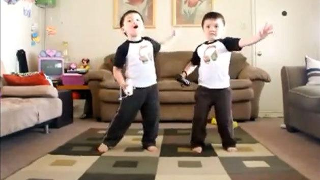 VIDEO: Twin Boys Dancing to Outkast