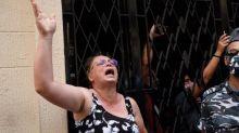 """""""On ne veut même pas les mettre en prison, qu'ils dégagent!"""": après l'explosion, la colère des Libanais face à une classe politique jugée corrompue"""