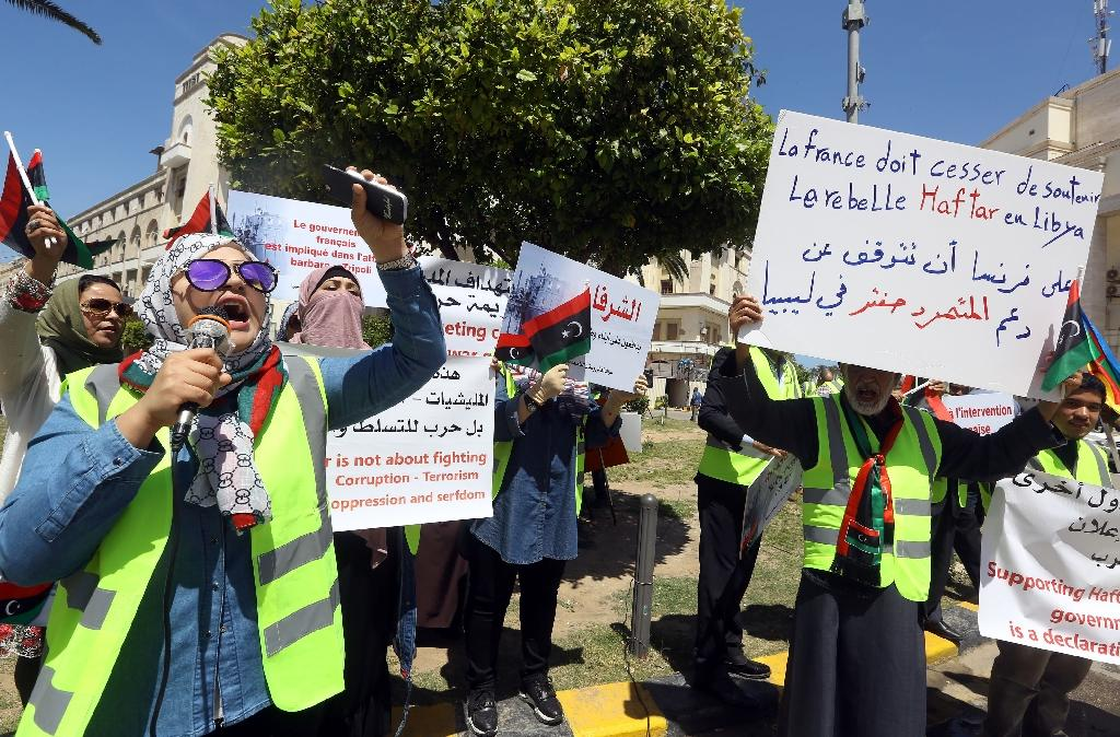 """""""Yellow vest"""" protesters in the Libyan capital say France is backing military strongman Khalifa Haftar who has launched an offensive to seize Tripoli"""