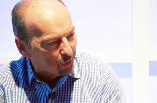 EA COO Peter Moore: 'We don't ship a game at EA that is offline' (video)
