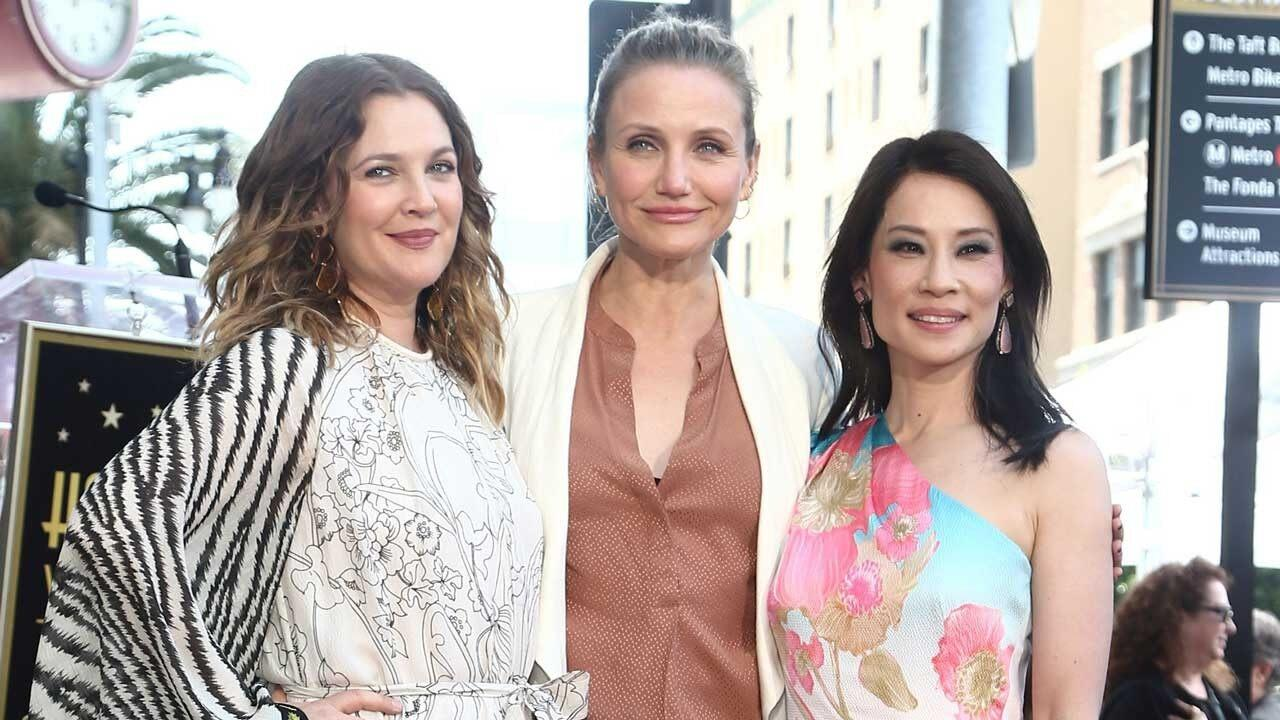 Cameron Diaz And Drew Barrymore Have Charlie S Angels Reunion With Lucy Liu At Her Walk Of Fame Ceremony