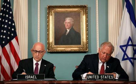 US and Israeli officials sign ten year security pact at State Department in Washington