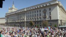 Anti-government protesters, police clash in Bulgaria
