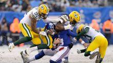 Giants Quarterback Daniel Jones Hit So Hard That Y Decal Flies Off His Helmet