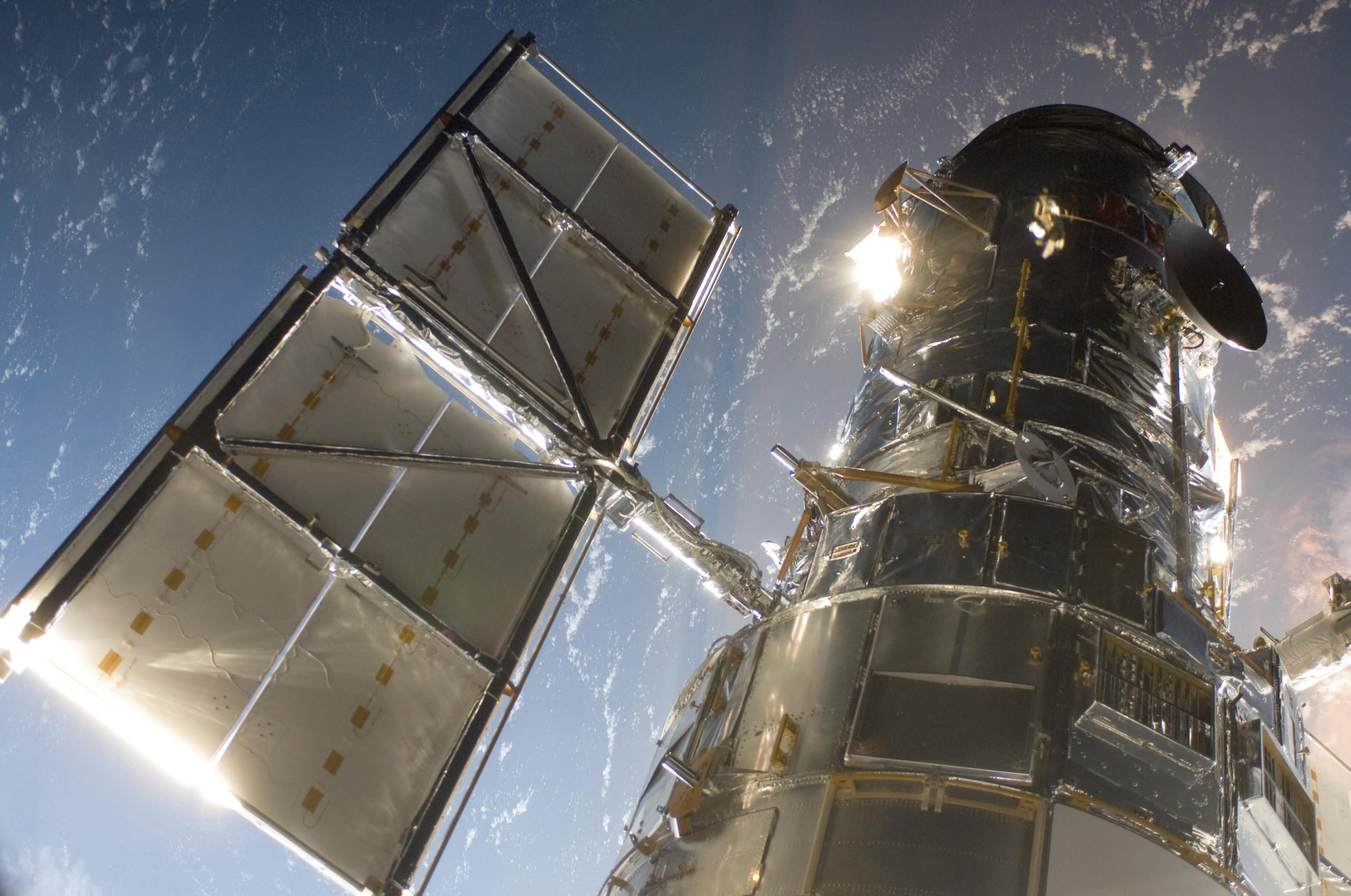nasa building the hubble space telescope - HD1279×849