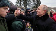 Putin honra a héroes de Leningrado en aniversario de la ruptura del bloqueo