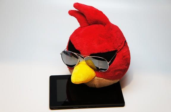 BlackBerry Playbook joins the Angry Birds Space bandwagon