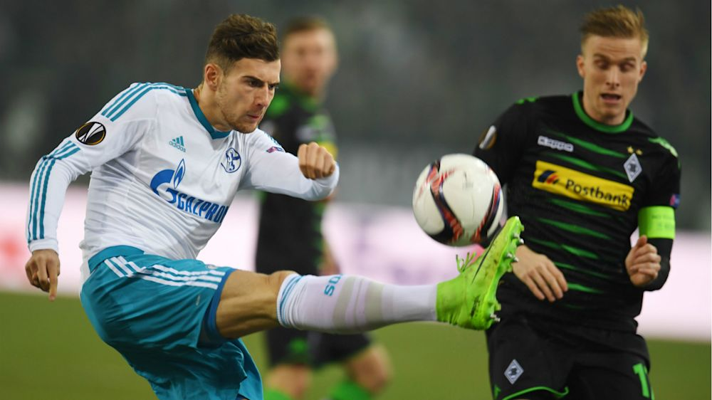 Comeback dank Elfer-Geschenk: Schalke weiter