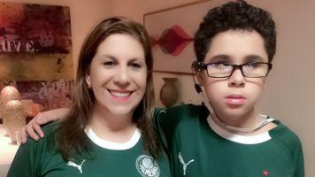 Palmeirense Nickollas recebe amigos com deficiência em partida no Allianz