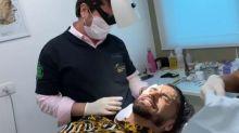 """Latino aplica botox e outros procedimentos aos 47 e deseja: """"Anos mais jovem"""""""