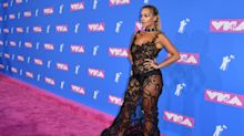 I look agli MTV Video Music Awards 2018, tra trasparenze e trash