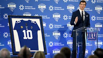 Only a Giant: Big Blue family reunites for Eli