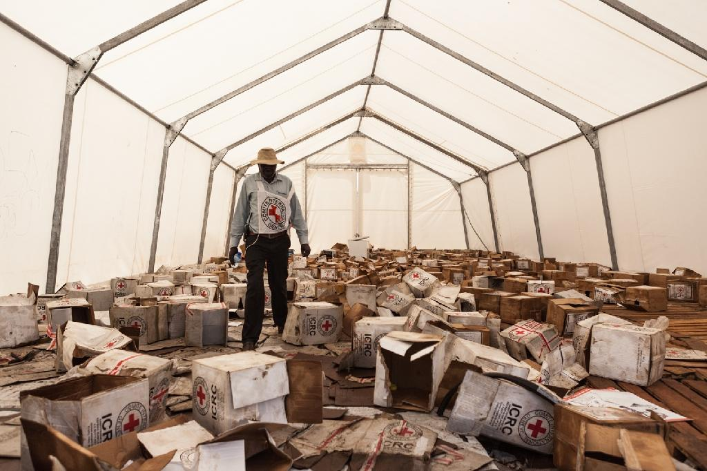 An International Committee of the Red Cross food warehouse in Leer, South Sudan on May 23, 2015 after it was ransacked (AFP Photo/Pawel Krzysiek)