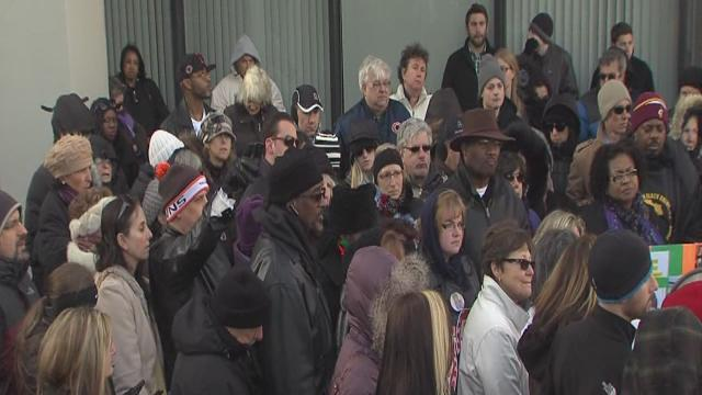 More than 100 turn out for Aliza Sherman rally