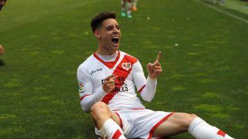 Álex Moreno llega a Sevilla y este miércoles firmará 5 temporadas con Betis