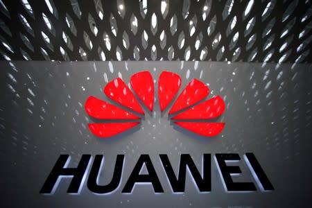 US Senator Rubio urges Trump to bar exceptions to Huawei ban