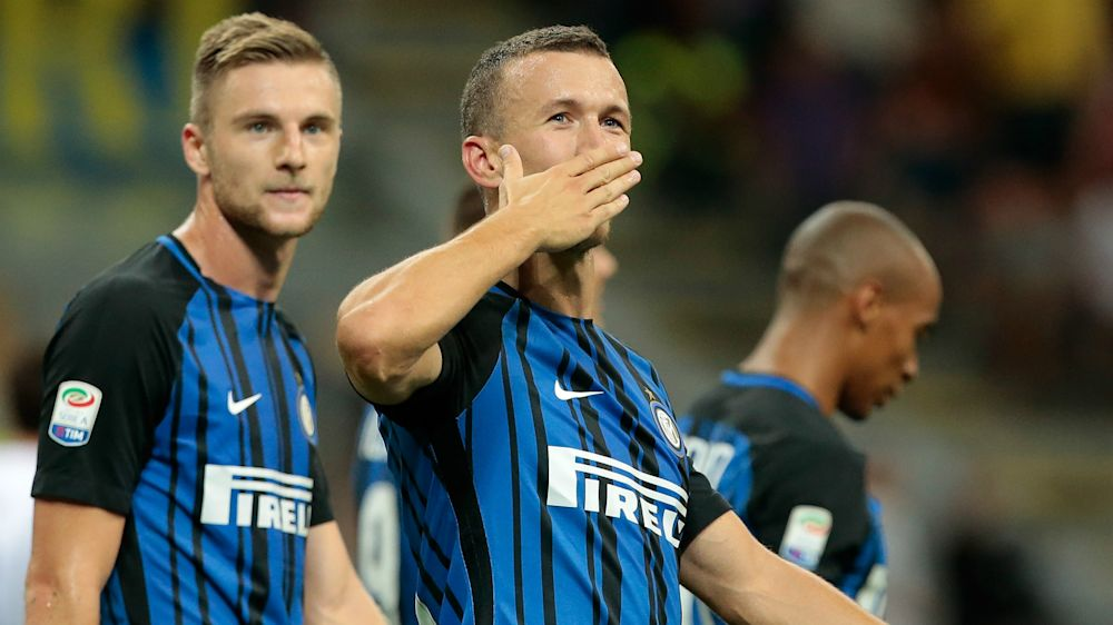Manchester United target Perisic signs new Inter deal