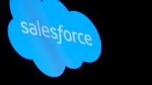 Salesforce to use Amazon's cloud for call center services