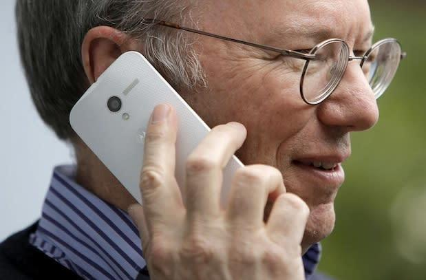 Unannounced Motorola Moto X likely spotted in the hands of Google's Eric Schmidt
