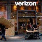 Samsung signs up Verizon as first customer for indoor 5G gear
