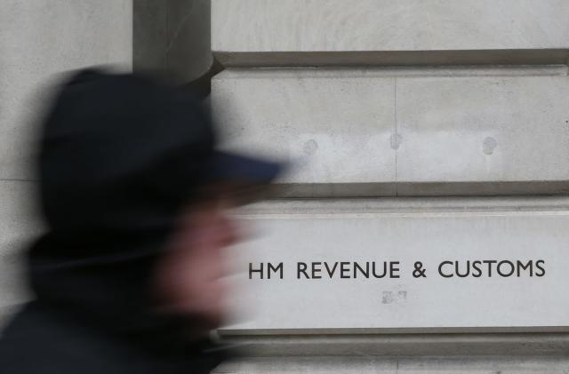 HMRC stings Apple with £136 million bill for back taxes