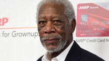 Robert De Niro, Morgan Freeman et d'autres célébrités participent à une campagne pour le port du masque