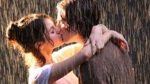 Selena Gómez se besa con otro chico y él no es The Weeknd, ¿qué está pasando?