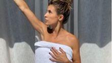 L'asciugamano vola via: Elisabetta Canalis infuoca i social in intimo