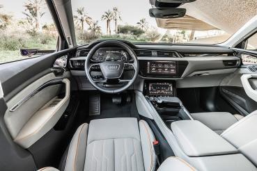 科技引領純電生活圈!Audi e-tron首搭載全數位虛擬後視鏡