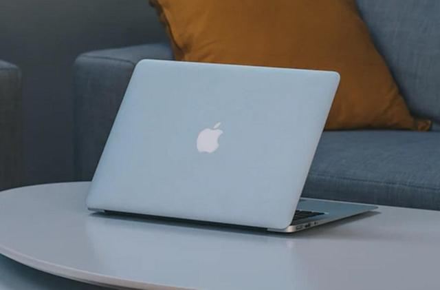 These refurbished MacBooks are all on sale today