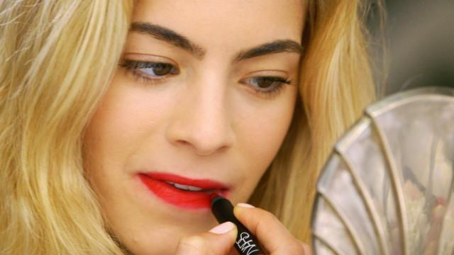 3 Steps to... - Mastering the Classic Red Lip