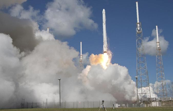 Transport von Astronauten: NASA schließt Vertrag mit SpaceX