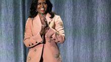 """Michelle Obama fustige un président Trump """"raciste"""", semant """"la peur et la confusion"""""""
