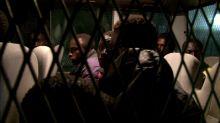 Les migrants échouent à Tripoli où ils sont à la merci des passeurs. La poudrière libyenne : menace aux portes de l'Europe dans Enquête Exclusive dimanche à 23:00 sur M6