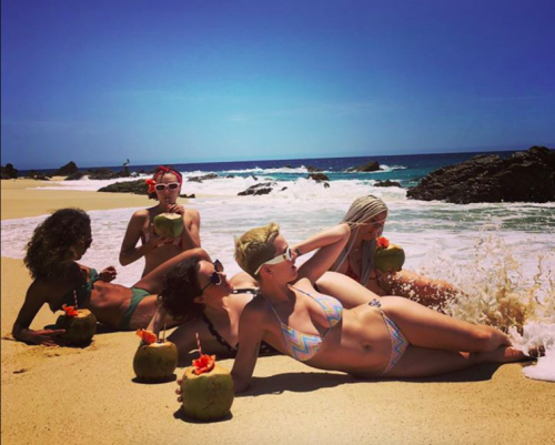 Katy Perry and her girlfriends are on a beach vacation. (Photo: Instagram)