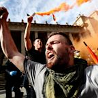 Violent clashes in Australia as thousands protest against lockdown