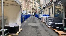 Coronavirus: une pharmacie au cœur de Paris produit son propre gel hydroalcoolique à ciel ouvert pour pallier la pénurie