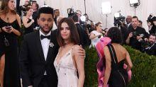Selena Gómez y The Weeknd debutan su amor en la gala MET 2017